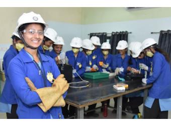 Electronics for Girls: Tackling Gender Stereotypes...